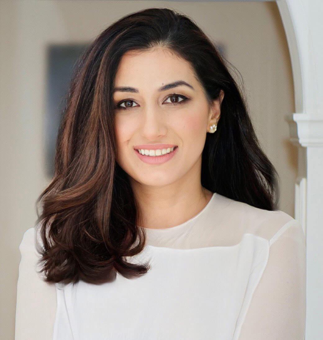 Dr Gabriela Petrof