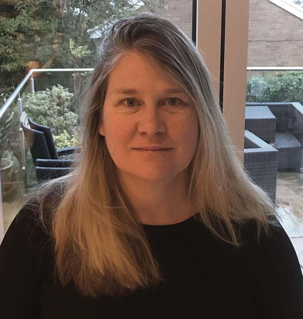 Dr Lindsay Shaw