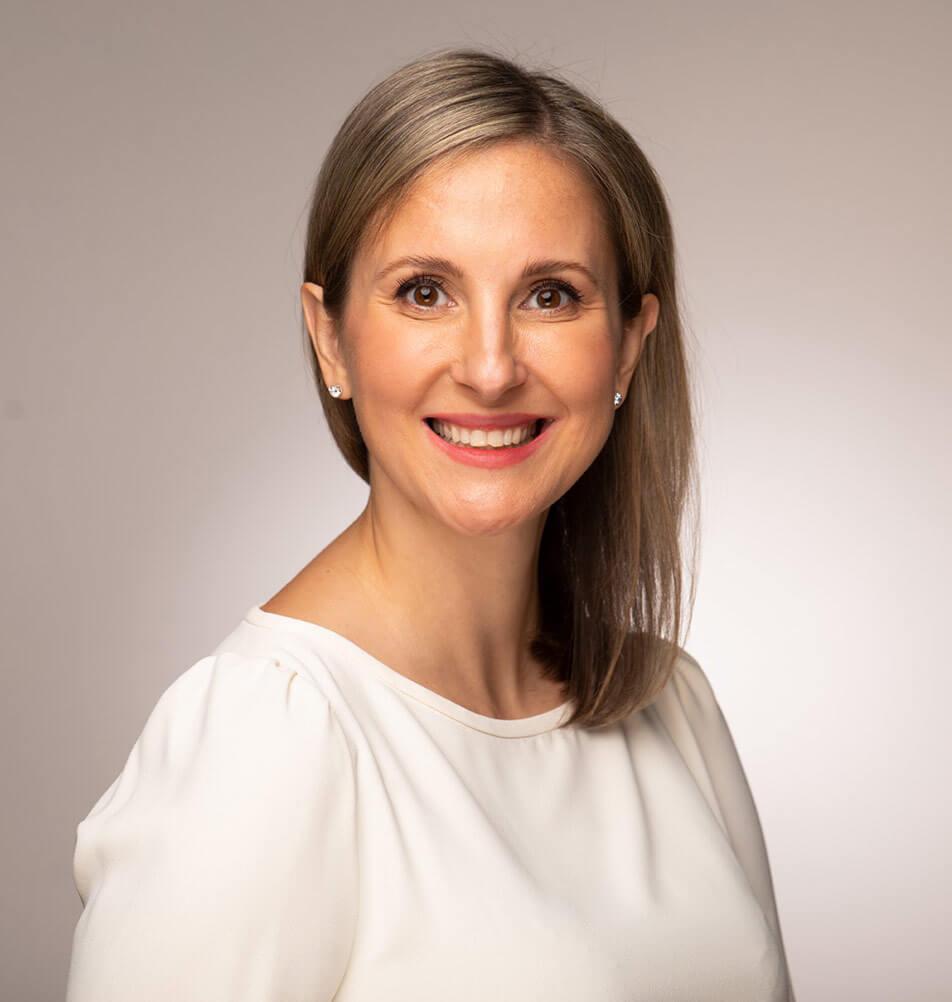 Dr Lea Solman